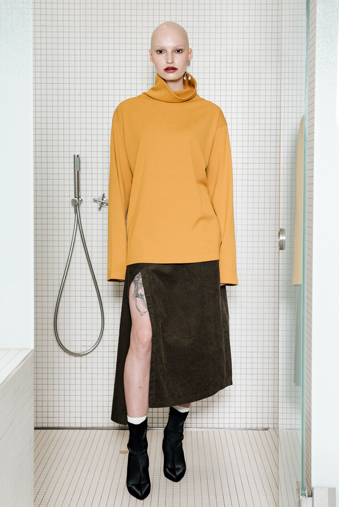 TURTLENECK SHIRTS (MUSTARD)